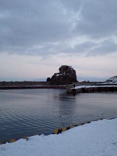 静かな漁港…