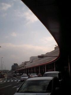 福岡空港…