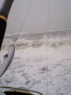 予想よりも波が高い…