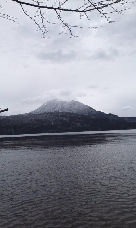 激渋の阿寒湖…