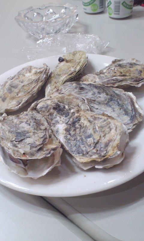 牡蛎食いねえ〜!