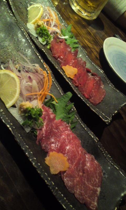 熊本で「馬刺し」を食す…